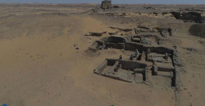 Scoperto abside di un'enorme cattedrale nel sito dell'antica città di Dongola