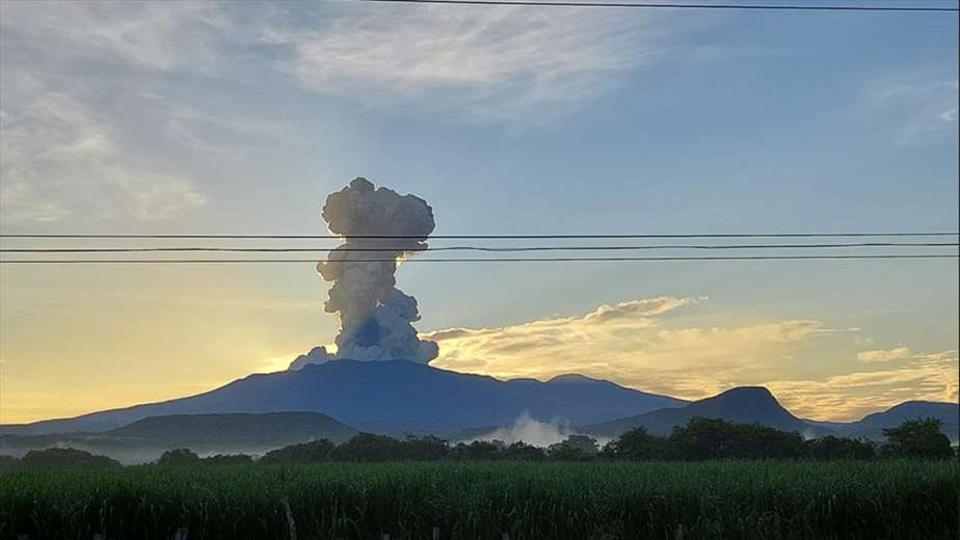 Costa Rica: erutta il Rincón de la Vieja. Il fango invade i fiumi. 'È una delle eruzioni più potenti di sempre'