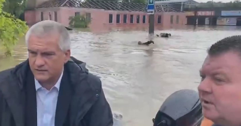 Impressionanti inondazioni in Crimea: 200 case allagate, paura ed evacuazioni