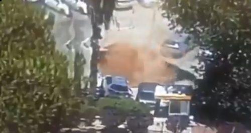 Gerusalemme: una voragine inghiotte le auto in un parcheggio di un ospedale. Il video