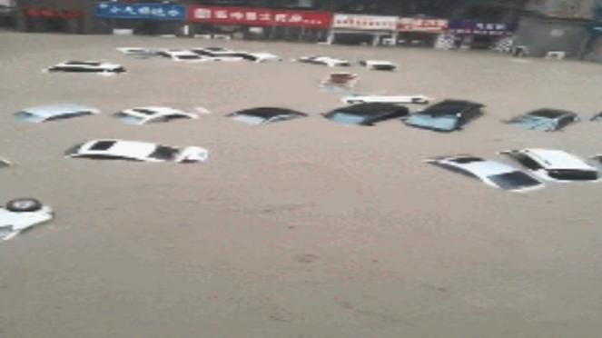 Cina: alluvione nella provincia di Henan. Pendolari intrappolati nella metropolitana Zhengzhou