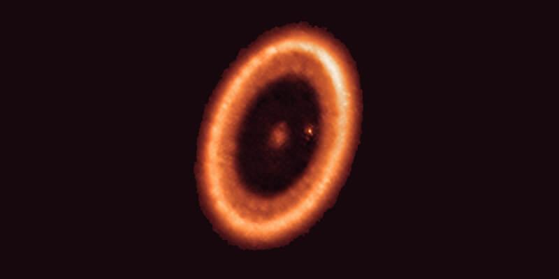 Osservato il primo disco circumplanetario, gli studiosi: 'Sta nascendo una luna intorno al pianeta PDS 70c'