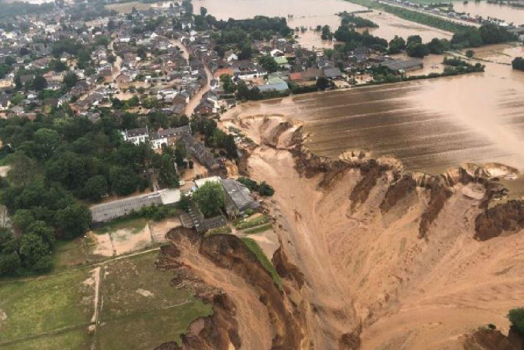 Alluvione in Germania: colossale frana spazza via le case, morti e dispersi confermati