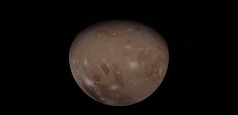 Spazio: la NASA mostra il sorvolo di Ganimede, il più grande satellite del Sistema Solare