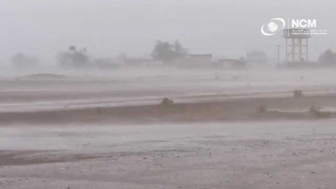 Caldo record negli Emirati Arabi: le autorità provocano piogge artificiali
