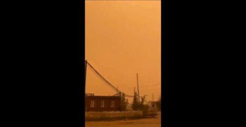 Siberia: gli incendi tingono il cielo di arancione. Il video