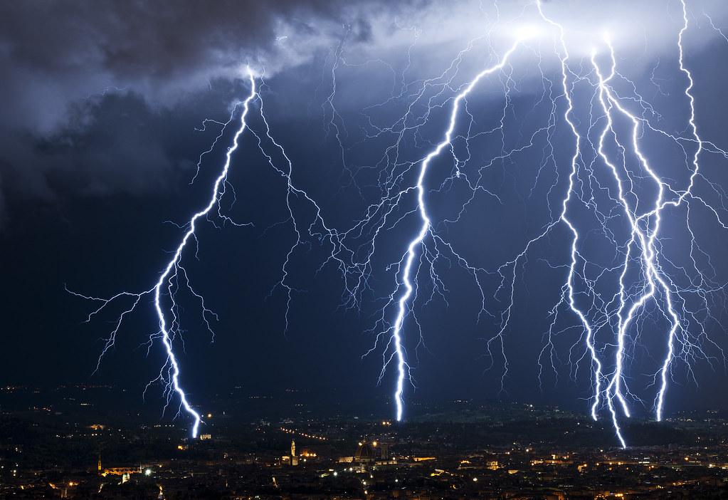 India: tempesta di fulmini provoca oltre 70 morti. Fatale selfie di gruppo sulla Fortezza di Amber