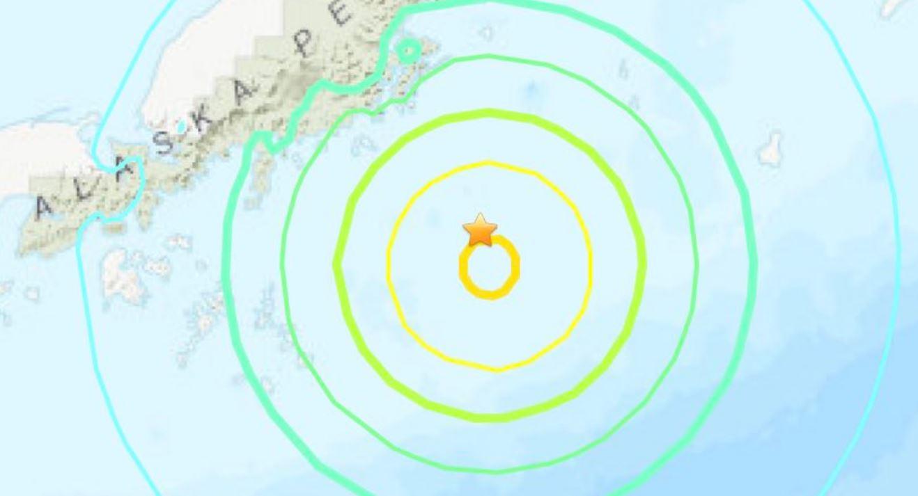 Tremenda scossa di terremoto M 8.2 scuote le coste dell'Alaska: diramato allarme tsunami