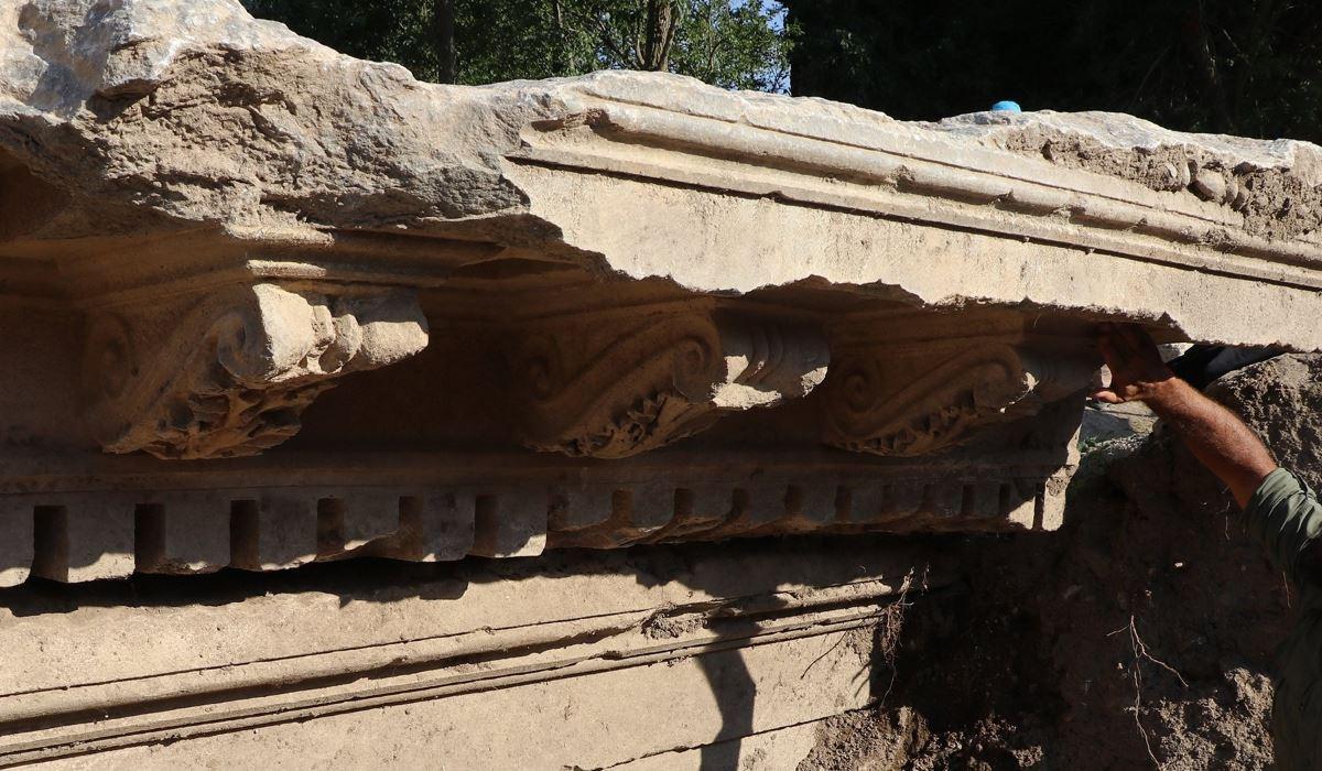Scoperto il monumentale ingresso del Tempio di Zeus nell'antica città di Aizanoi