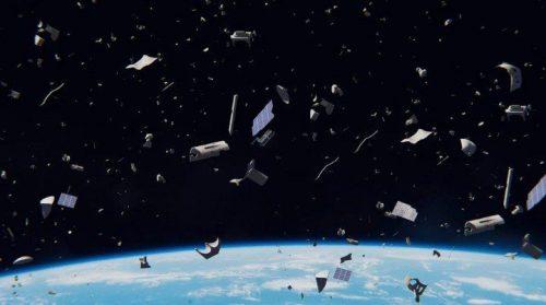 Satellite cinese e razzo russo si scontrano: decine di detriti in atmosfera