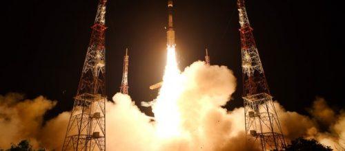 Spazio: il razzo indiano fallisce il decollo ed esplode. Distrutto il satellite a bordo