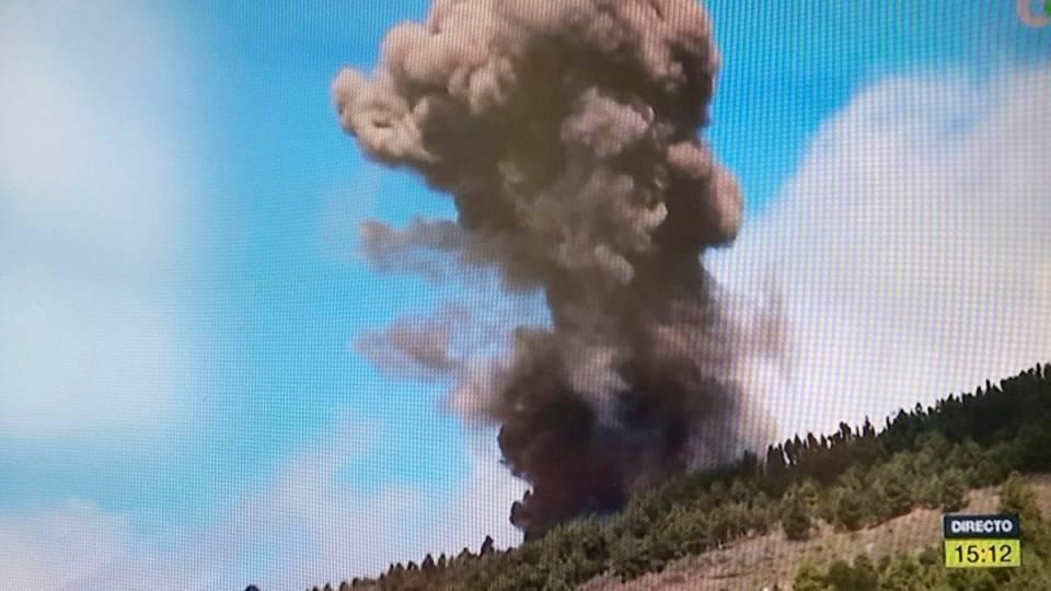 Canarie: erutta il vulcano Cumbre Vieja. Evacuazioni in corso