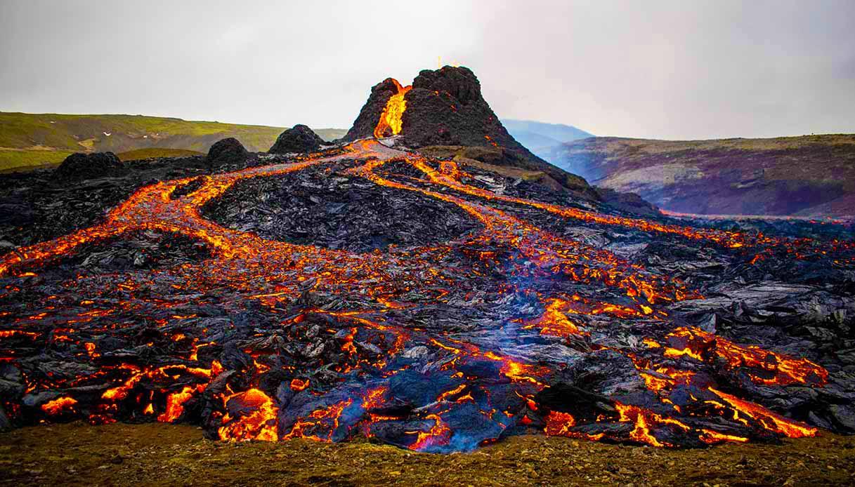 L'eruzione del Fagradalsfjall non si arresta: è la più lunga dagli anni Sessanta