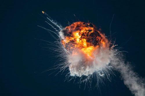 Il razzo di Firefly Aerospace esplode in aria durante il suo primo lancio