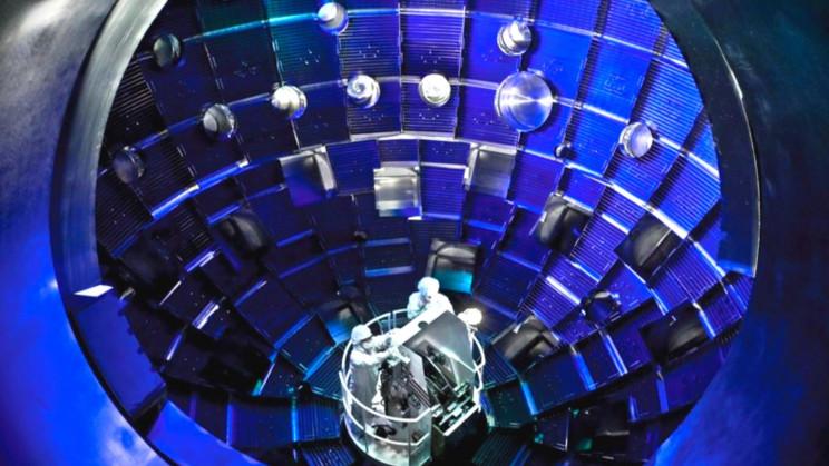 Fusione record in un reattore americano: generata una potenza 700 volte superiore alla rete elettrica degli USA