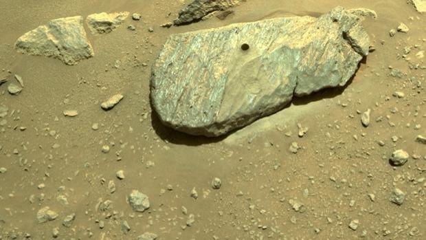 Marte: Perseverance estrae con successo il primo campione di roccia marziana