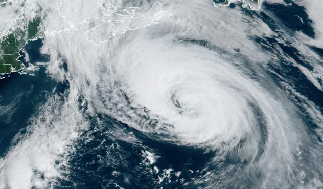 Uragano Larry diretto verso la Groenlandia: previste nevicate di oltre 4 metri