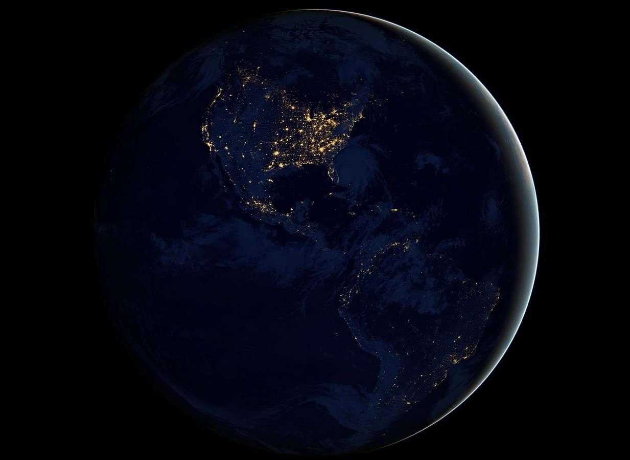 Astronomia: la Terra sta diventando più buia