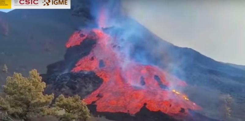 Cumbre Veja: crolla il fianco nord. Nuovo flusso di lava travolge La Palma. Il video