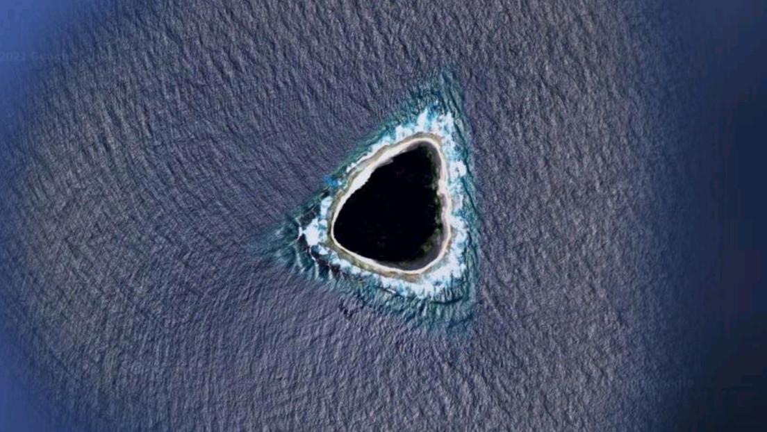 """Scoperto un """"buco nero"""" su Google Maps in mezzo all'oceano: di cosa si tratta"""