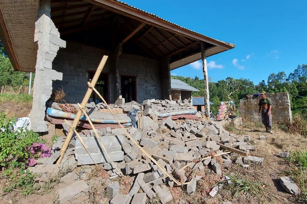 Terremoto in Indonesia: crolli e frane a Bali. Gente in strada e feriti