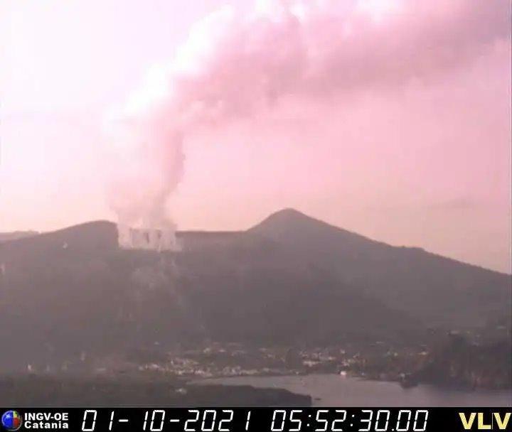 Isola Vulcano: allerta gialla per rischio eruzione